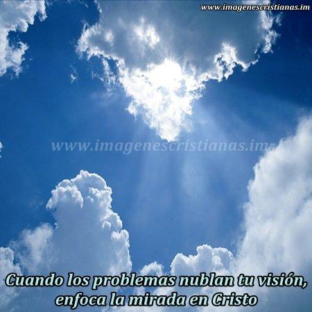 mensajes cristianos mirando el cielo.jpg